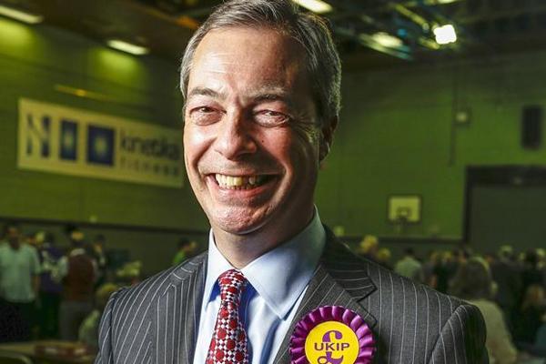 Brexit, Farage si dimette: