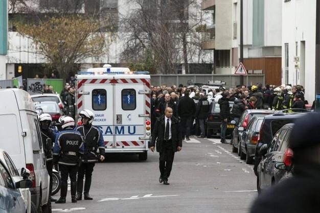 Monaco: un tedesco-iraniano 18enne il killer suicida