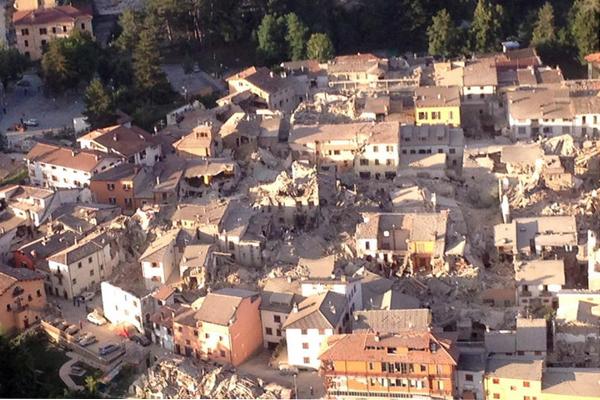 La vita dopo il sisma: le inchieste e i piani per i sopravvissuti