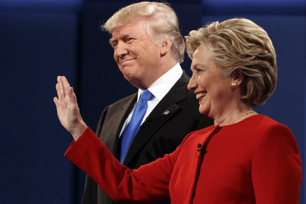 USA: Clinton batte Trump, ma non affonda