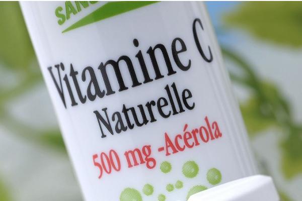 Vitamina C invece della chemio: muore 17enne