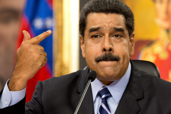 """Venezuela, tutti contro Maduro: """"Il suo è golpe"""""""