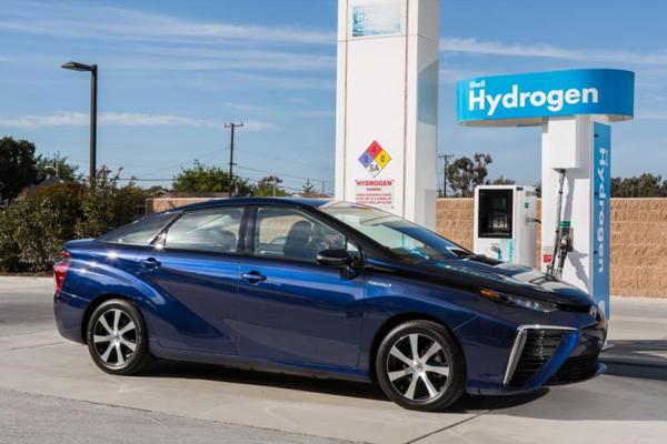 Italia: novità per le auto a idrogeno