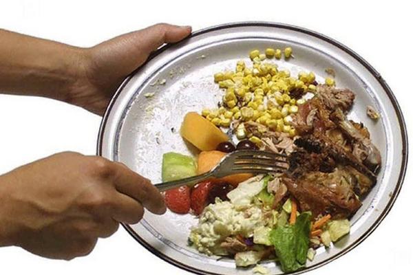 Italia: ogni anno sprechiamo 16 mld di cibo