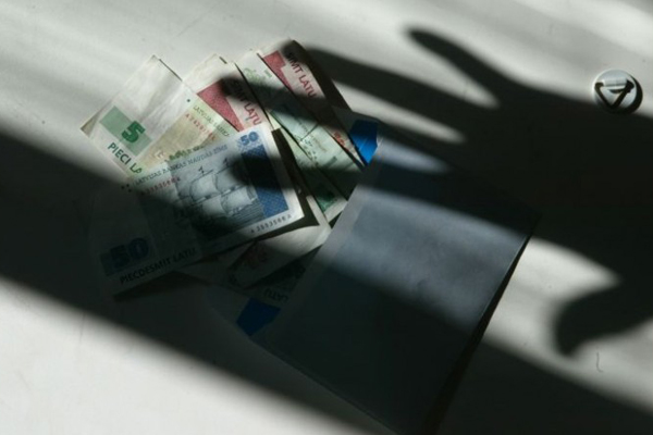 Droga e truffe: economia nera vale 13% del PIL