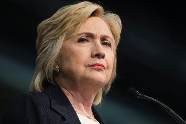 USA: FBI accusa ancora la Clinton, polemiche