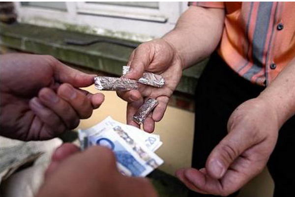 'Ndrangheta: giro di droga ed alloggi popolari
