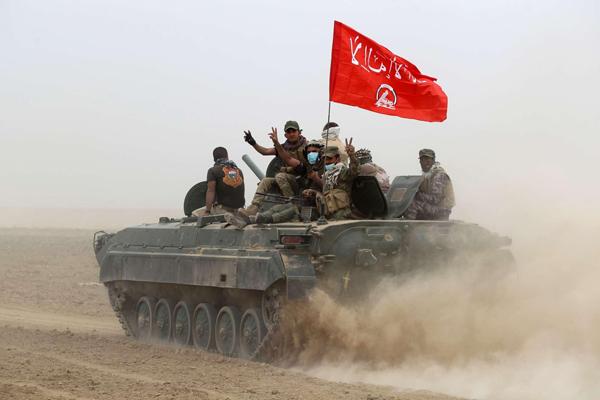 Mosul, ISIS rastrella civili. Al-Baghdadi in città?