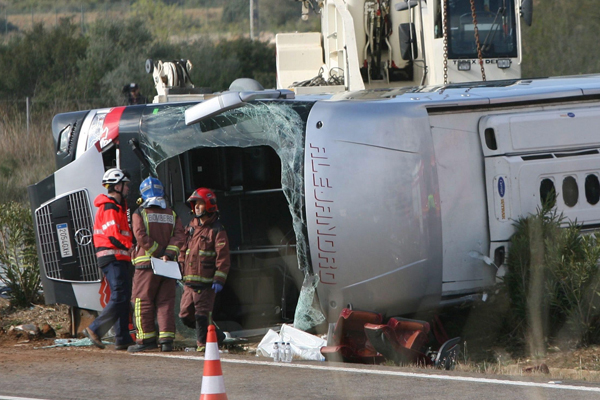 Strage bus Erasmus: 13 vittime, nessun colpevole