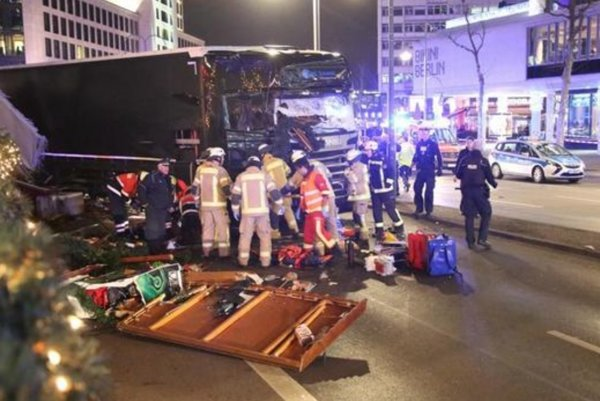 Tir sulla folla, strage a Berlino: 12 morti