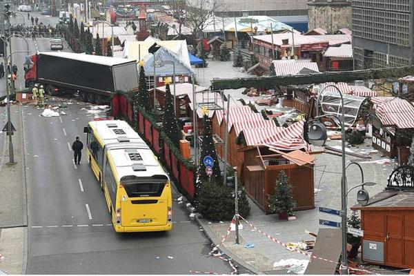 Strage Berlino, si cerca un tunisino di 24 anni