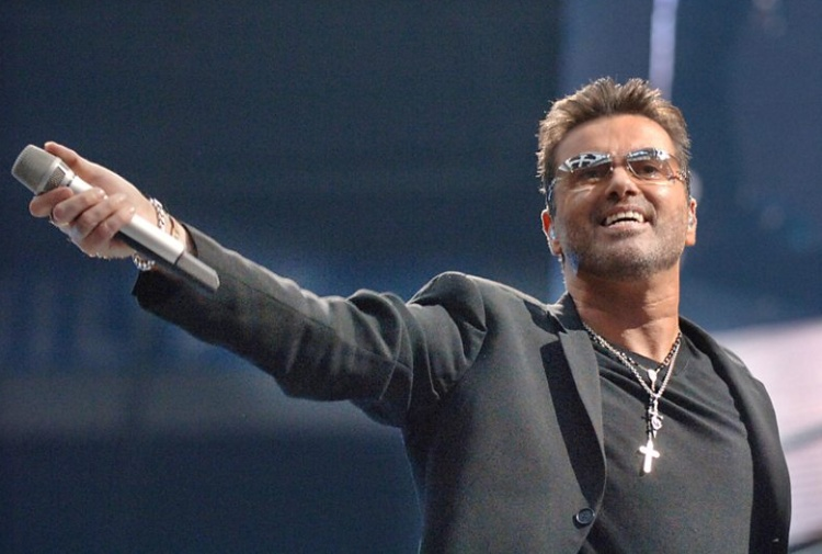 Addio a George Micheal, mito del pop