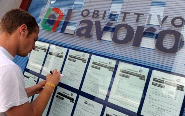 Lavoro, effetto Covid pesa mezzo milione in più inoccupati