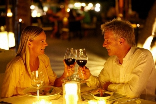 Il vino a tavola lo sceglie lei. Non sempre, però...