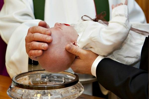 Religione: vescovo Melfi abolisce padrini
