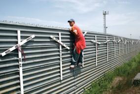 migranti_muro_messico