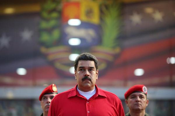 Venezuela, Maduro toglie i poteri al Parlamento