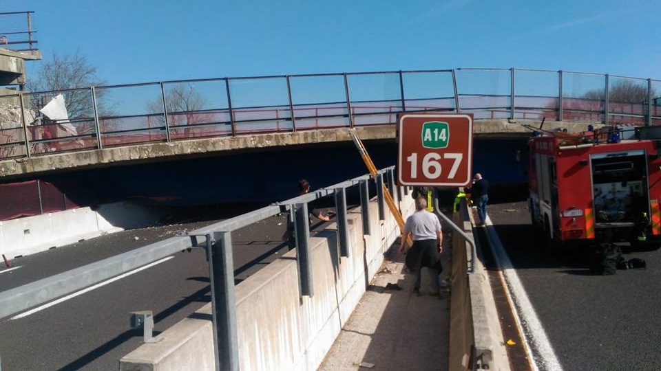 Crolla ponte A14: due morti e due feriti nelle Marche