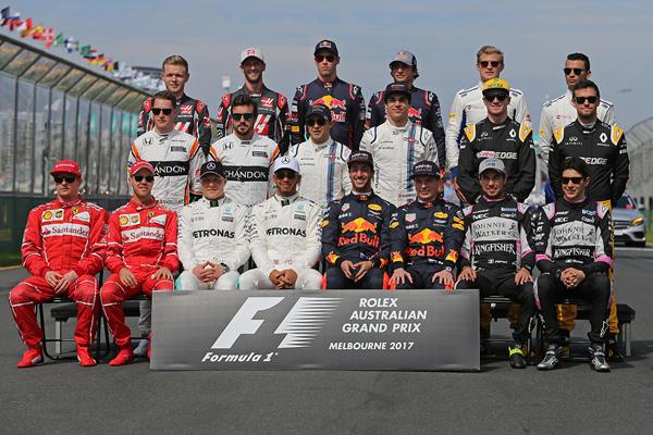 F1, la giostra riparte nel segno della Ferrari
