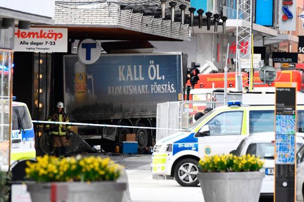 Stoccolma, arrestato attentatore camion