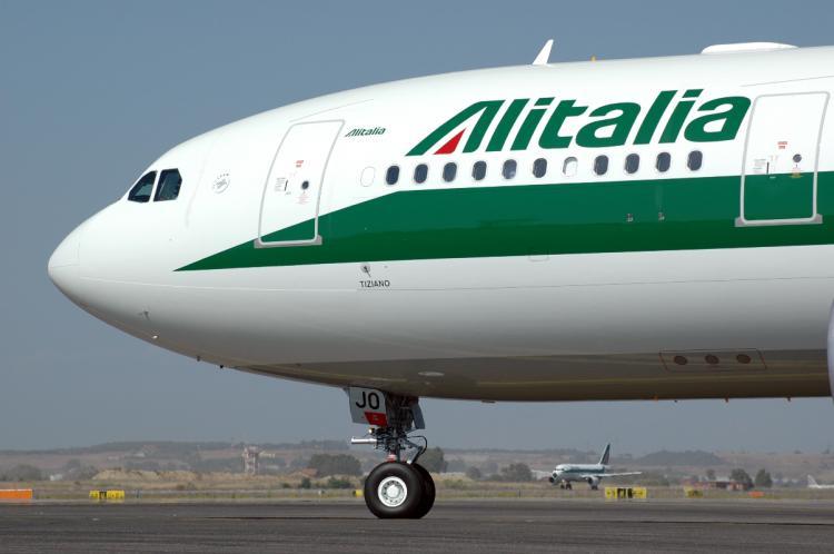 Alitalia, sciopero voli rinviato