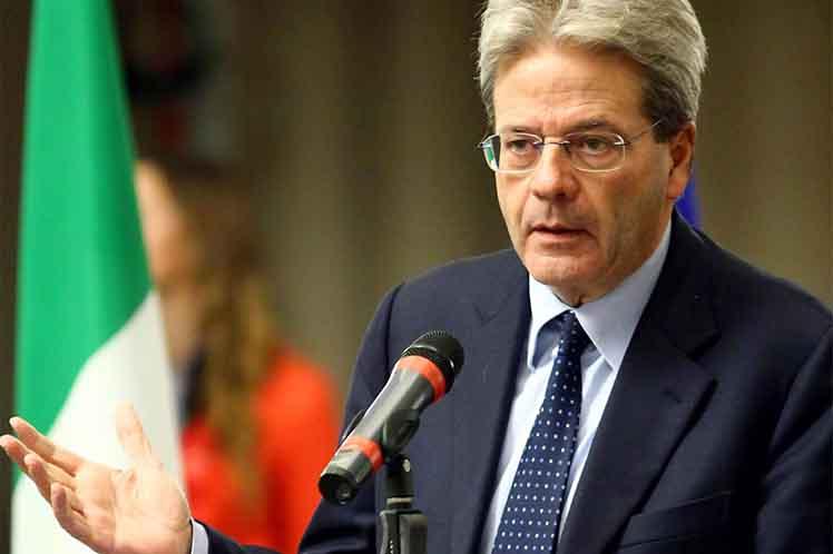 Alitalia, fallimento o vendita: ma si tirano tutti indietro