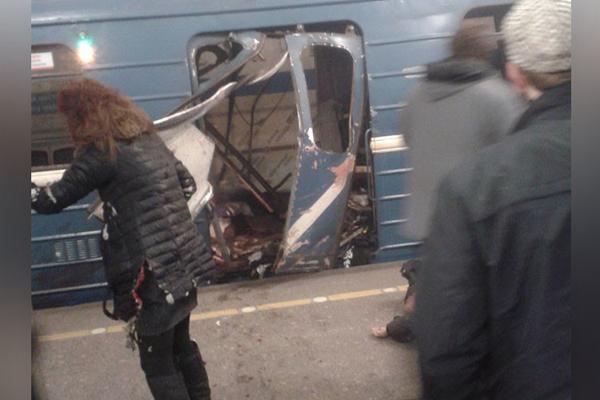 Bomba nel metrò a San Pietroburgo, 14 vittime