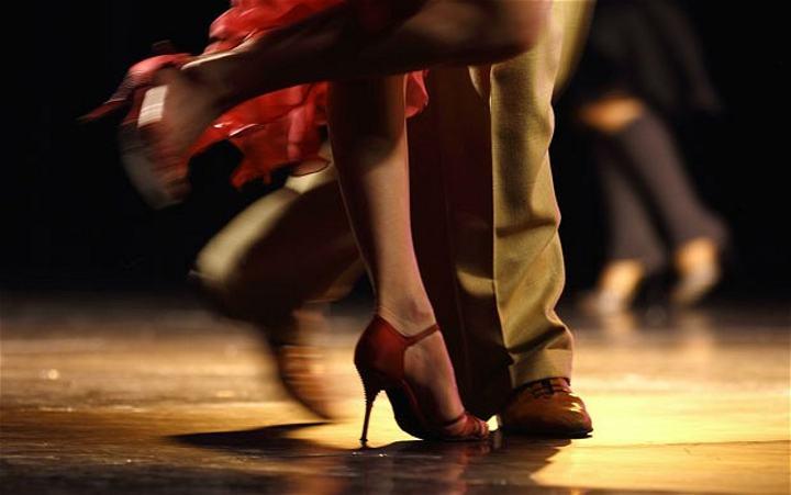 Dana's Club tra tango e valzer: quando il ballo diventa show