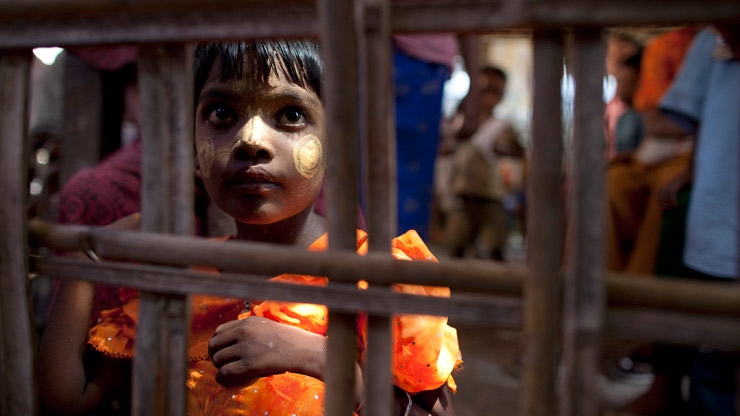 Diritti umani: calpestati per 2mld di donne e bambini