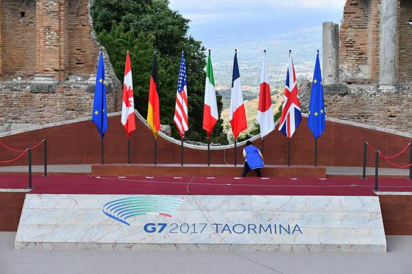 Preparations are under way at the the Ancient theatre of Taormina, the venue of the annual G7 summit, in Taormina, Sicily, Italy May 26, 2017. ANSA/ETTORE FERRARI