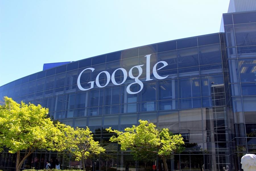 UE, stangata a Google: multa da 2,4 mld