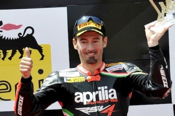 Moto: grave incidente per Max Biaggi