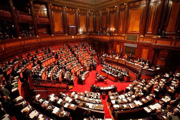 Dl elezioni: fiducia al Senato, voto a settembre