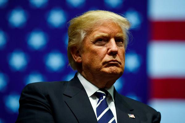 """Trump, """"tra i despoti che assediano l'Europa"""""""