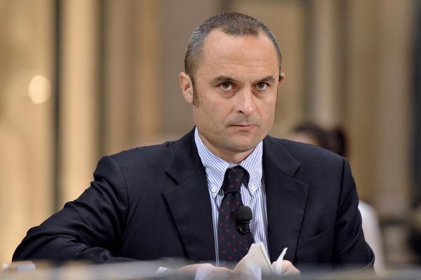 Si dimette ministro Costa: tornerà in Forza Italia
