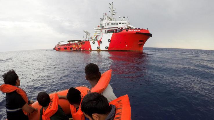 Migranti, ONG ferme nel Mediterraneo