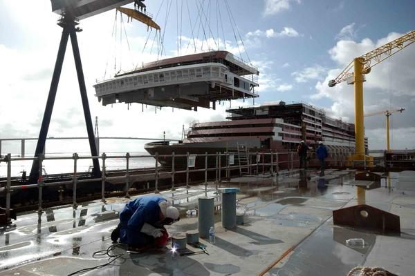 Francia, schiaffo a Fincantieri: allo Stato i cantieri STX