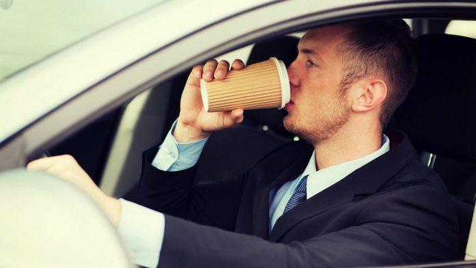 Senz'acqua, al volante stessi effetti dell'alcol
