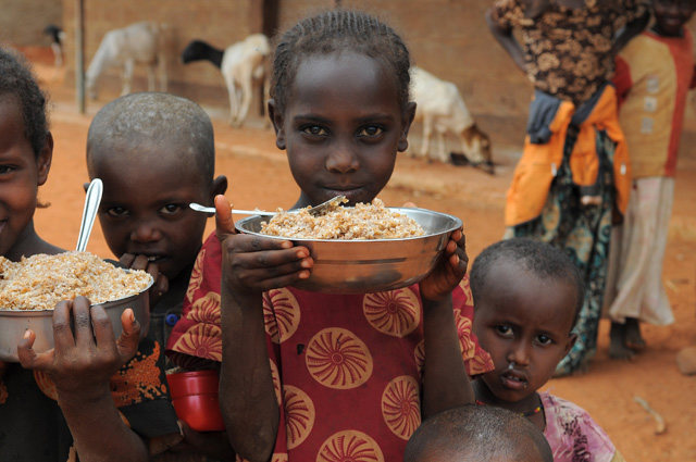 Cibo: aumenta produzione ma non diminuisce fame nel mondo