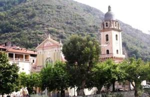 chiesa dolceacqua senza croci per volontà Lidl