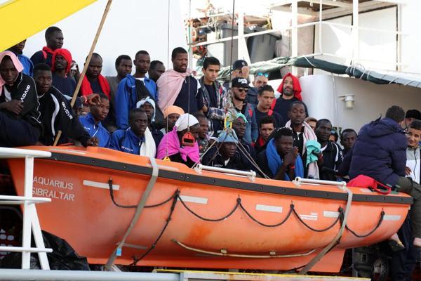 migranti falsa emergenza ma florido business