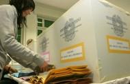 Elezioni, multa se porti il cellulare in cabina