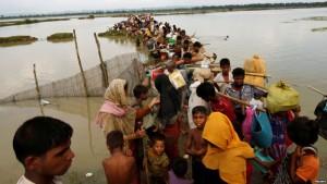 esodo rohingya verso Bangladesh