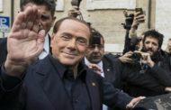 Berlusconi è tornato. Stavolta come nonno d'Italia