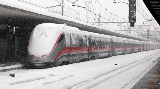 Arriva la neve e collassa l'Italia. Una vergogna