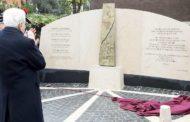 Scritta BR su nuovo monumento in via Fani, a Roma