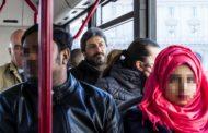 Fico, treno e bus per andare alla Camera