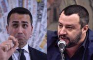Il M5S perde due senatori. Uno passa con Salvini