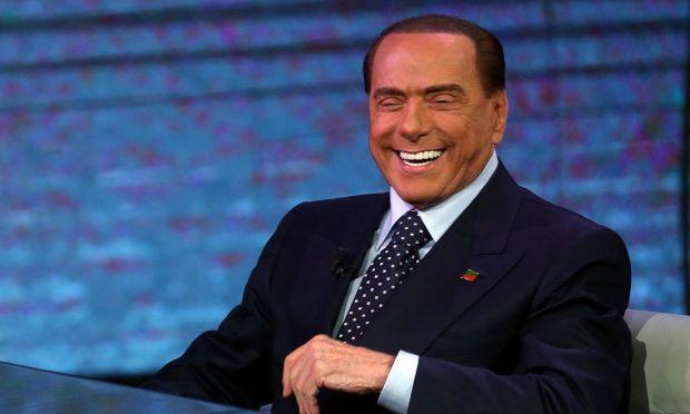 Berlusconi. Dalla politica all'avanspettacolo
