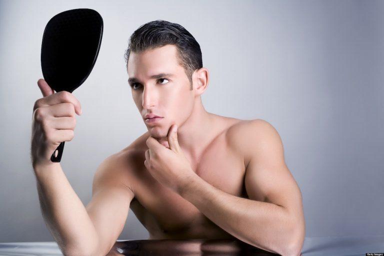 Il narcisista? Si riconosce dalle sopracciglia